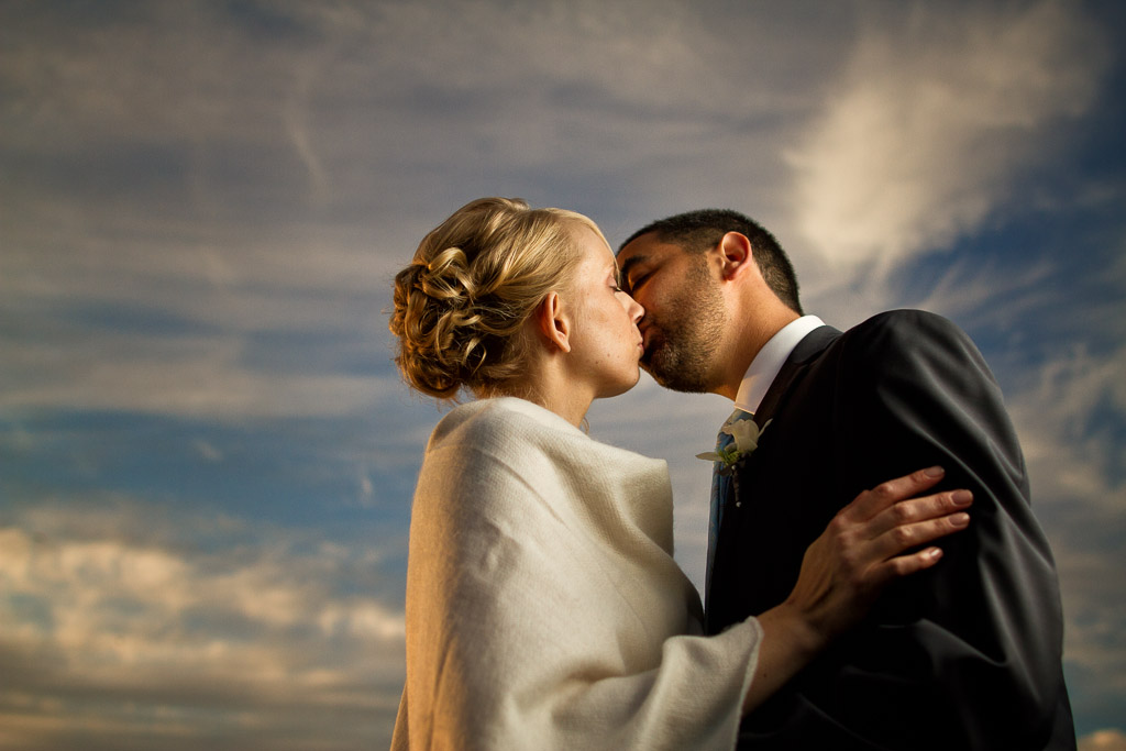 Younes & Amanda - Canon EOS 7D, EF 24mm f/1.4L II at 1/2500th, f/2.2, ISO 250