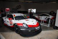 Porsche Team Cars in the Garage_C_Short_1.jpg