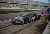 Ford GT 67 Heading Out of the Pits_C_Short_1.jpg