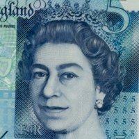 A03_1280_2_queen95%.jpg