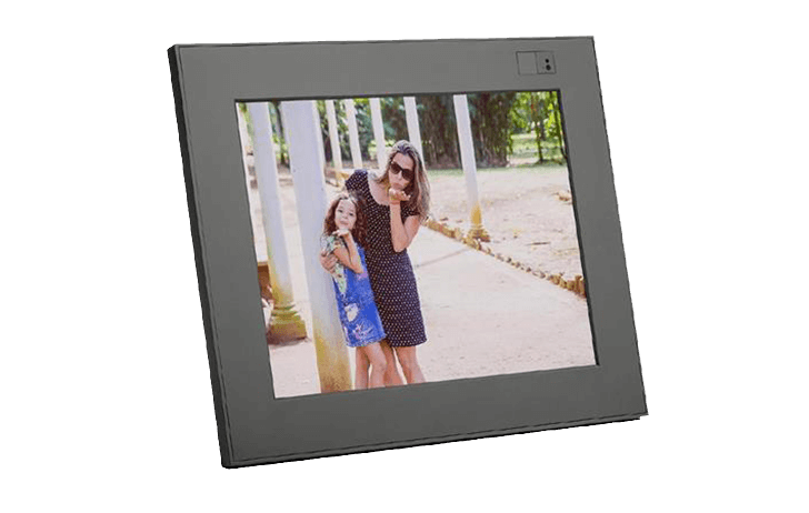 Deal of the Day: Aura Frames 9.7″ High Resolution LED Digital Photo Frame $148 (Reg $299)