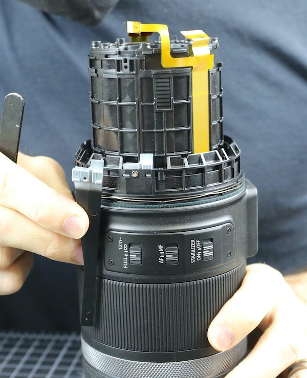 word image 23 - Lensrentals.com: Canon RF 600mm f/11 IS STM Teardown