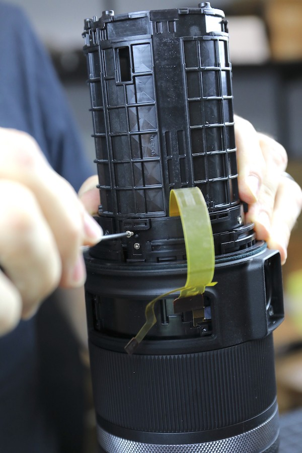 word image 31 - Lensrentals.com: Canon RF 600mm f/11 IS STM Teardown